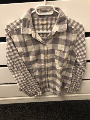 Hollister Bluse und H&M Pullover