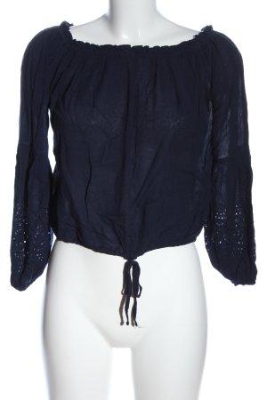Hollister Camisa tipo Carmen azul look casual