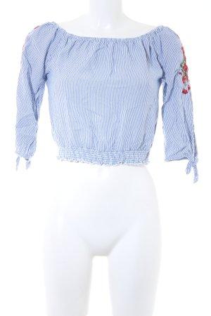 Hollister Cropped Top blau-weiß Streifenmuster Street-Fashion-Look