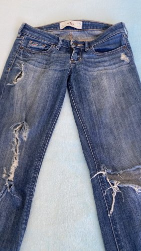 Hollister destroyed Jeans in 34