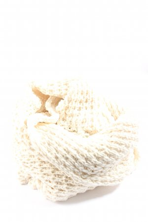 Hollister Fringed Scarf natural white cable stitch casual look