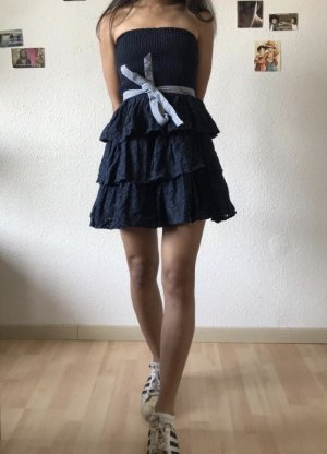 Hollister gestuftes Kleid