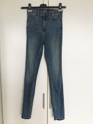 Hollister high waist Jeansleggins ; helle Waschung,