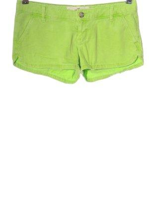 Hollister Pantalón corto verde estampado a rayas look casual