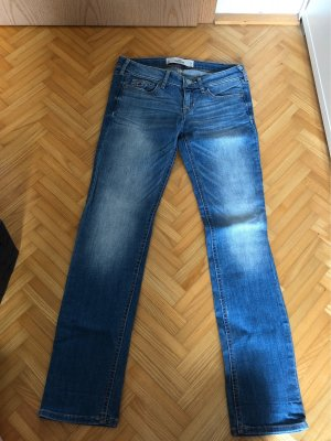 Hollister Low Rise jeans bordeaux-blauw