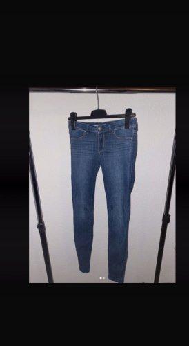 Hollister Spodnie biodrówki chabrowy-stalowy niebieski