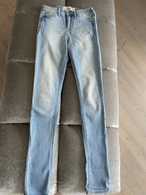Hollister Jeans Gr. W 24, L 31