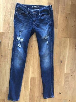 Hollister Jeans Jeanshose Super Skinny Größe 3 W26 destroyed wie neu Röhrenjeans