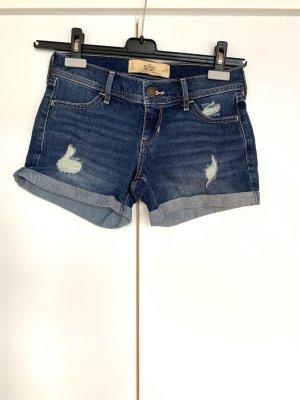 Hollister Jeans Shorts mit Rissen