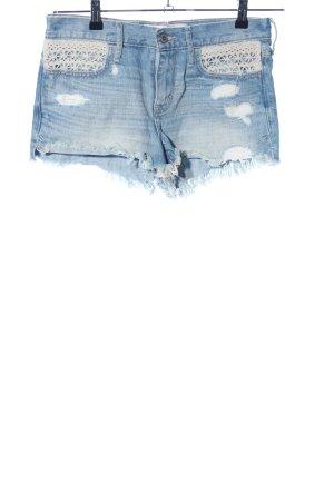 Hollister Denim Shorts blue-white casual look