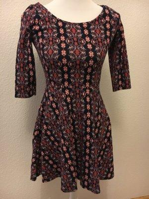 Hollister - Kleid mit Muster