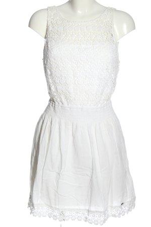 Hollister Minikleid weiß Blumenmuster Party-Look