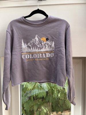 Hollister Pullover Sweater cropped lila flieder pastell mit Aufdruck Colorado
