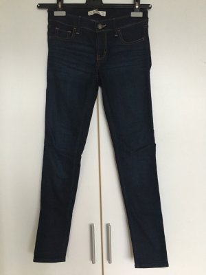Hollister Skinny Jeans, dunkle Waschung