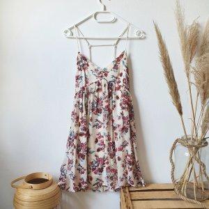 Hollister Sommerkleid Blumen florl creme rosa V-Ausschnitt