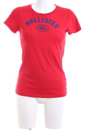 Hollister T-Shirt rot-blau Schriftzug gestickt Casual-Look