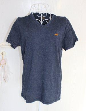 • Hollister T-Shirt mit V-Ausschnitt