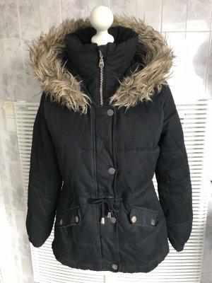 HOLLISTER warme Winterjacke schwarz mit Kapuze in Gr. S