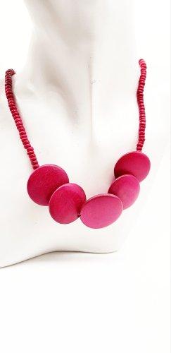 Collana di perle rosso neon