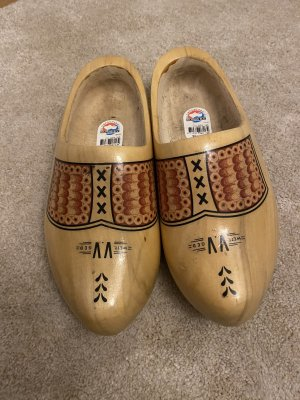 House Boots light brown