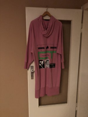 CROOKED TONGUES Sweater Dress pink