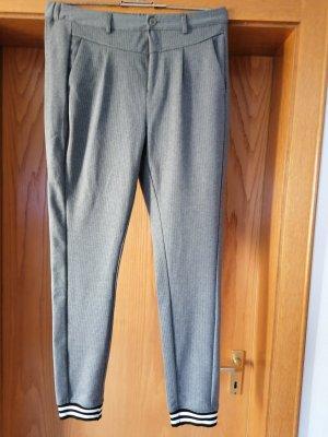 Kaffe pantalón de cintura baja gris claro-blanco Poliéster