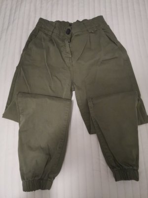 Bershka Pantalon 3/4 kaki