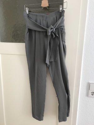 Hugo Boss Pantalon à pinces gris