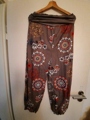 Pantalón estilo Harem marrón