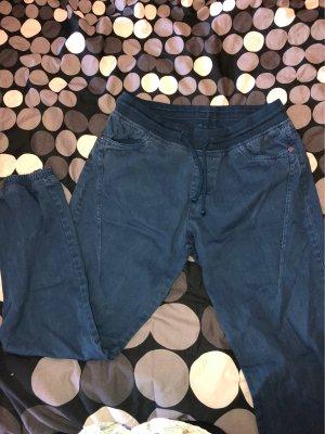 Pantalón de camuflaje azul oscuro