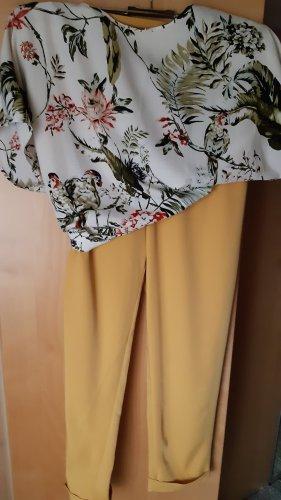 Hose gelb und dazu passender Bluse