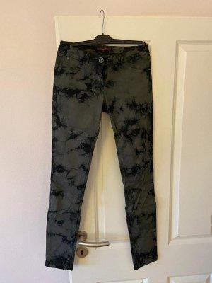 Hose grau schwarz Muster