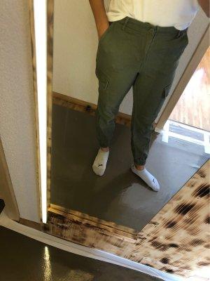 H&M Boyfriendbroek olijfgroen
