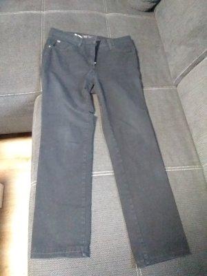 Hose in der Farbe schwarz