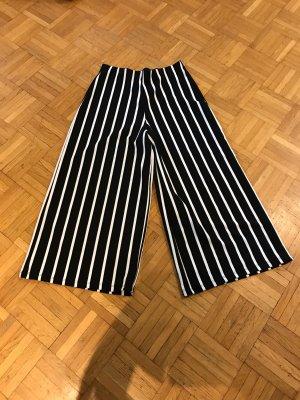 Zara Pantalon 3/4 blanc-noir