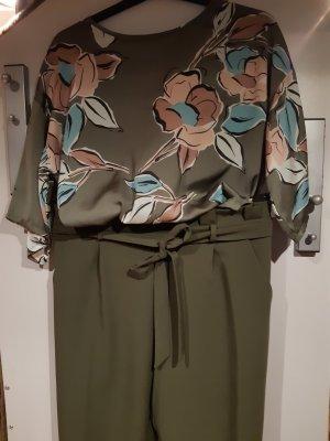 Hose khaki und dazu passende Bluse