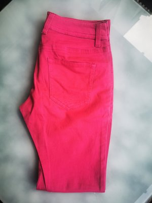 Hose, Magenta, Buffalo (Box 1)
