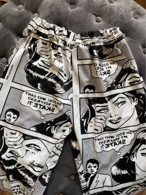 Hose mit Comicmuster