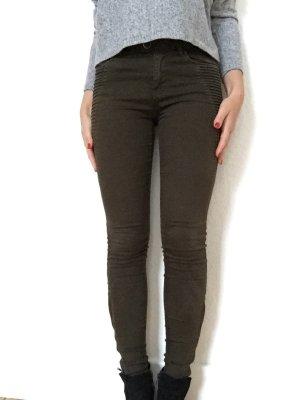 Hose mit hübschen Details