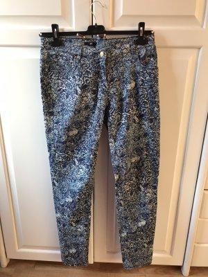 Hose mit Muster blau/weiß 40