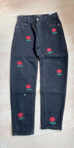 Hose mit Rosen