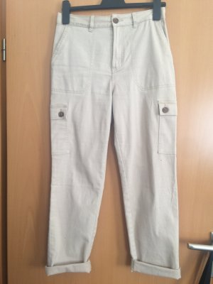 Hose mit seitlichen Taschen