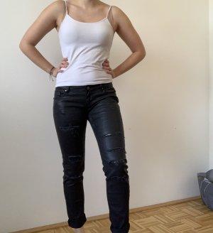 Hose mit unterschiedlichen Unternähten