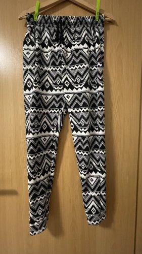 H&M Divided Spodnie dresowe biały-czarny