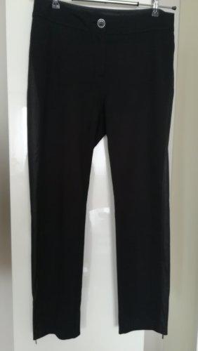 Hose von GERRY WEBER, Gr. 38, schwarz, mit Seitenstreifen in Lederlook