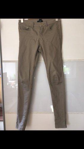 Hose von H&M in khaki Größe 36