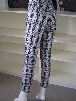 H&M Peg Top Trousers black-natural white cotton