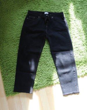 Urban Outfitters Spodnie typu boyfriend czarny