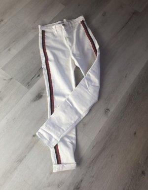 Hose von Zara in weiß mit Streifen