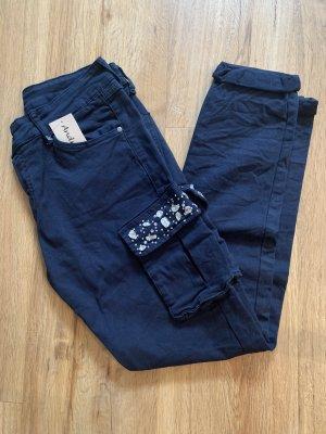aus Italien Pantalon fuselé bleu foncé